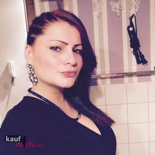 Escort   Klaretta >> ist Weiblich 26 kommt aus Berlin und bietet Abendessen